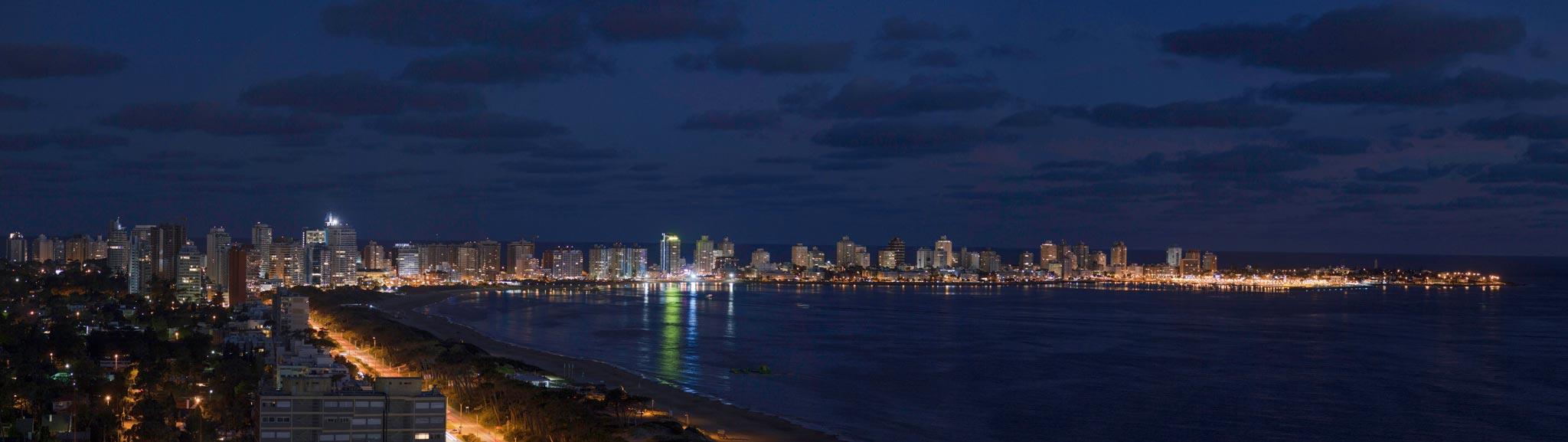 skyline punta del este by night