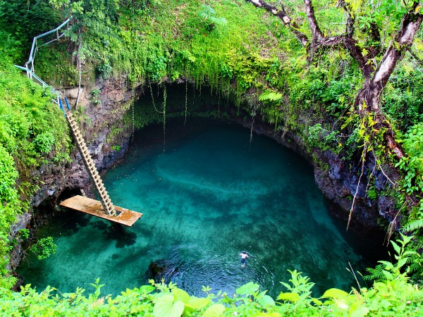 to-sua-ocean-trench-upolu-samoa
