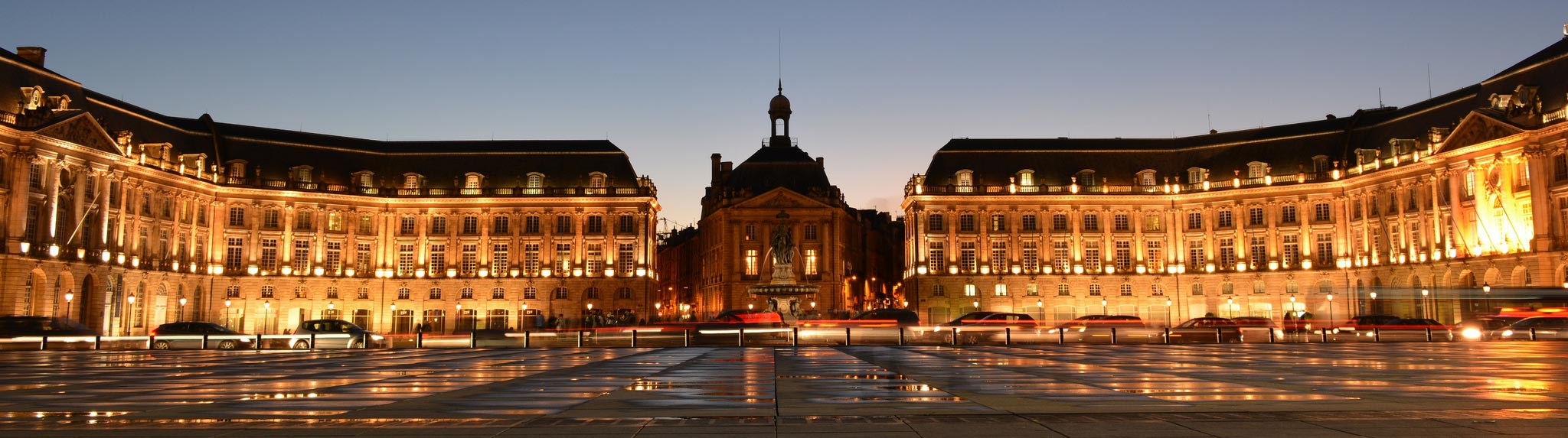 bordeaux la majestueuse place de la bourse. Black Bedroom Furniture Sets. Home Design Ideas