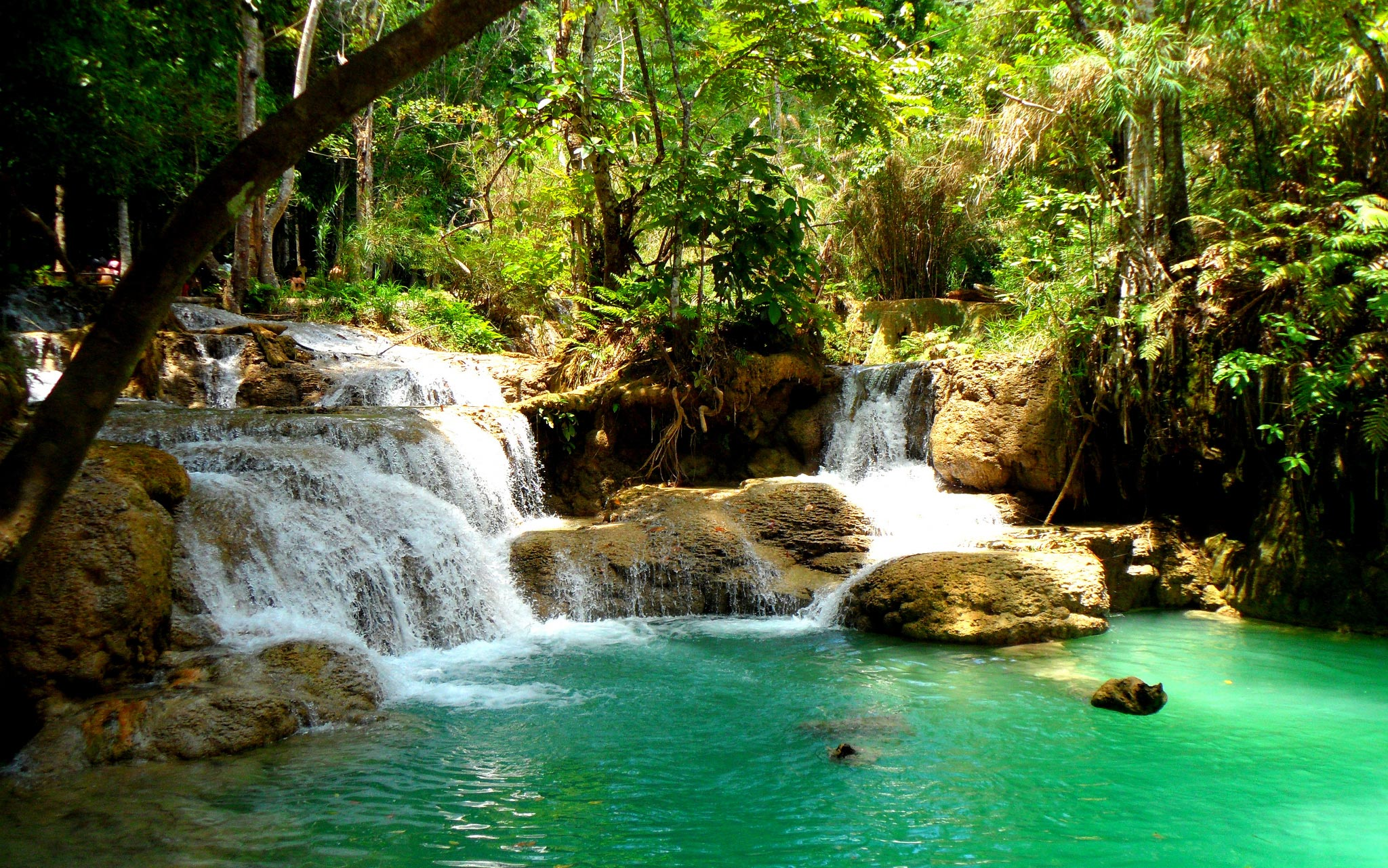 Top 10 des plus belles piscines naturelles au monde for Piscine naturelle cascade
