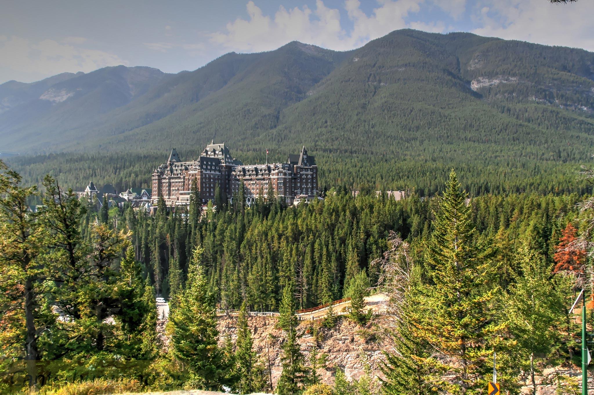 Fairmont-Banf-Springs-Hotel,-Alberta