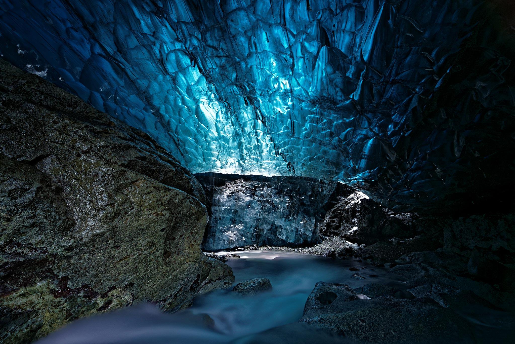 Crystal-Cave,-Islande