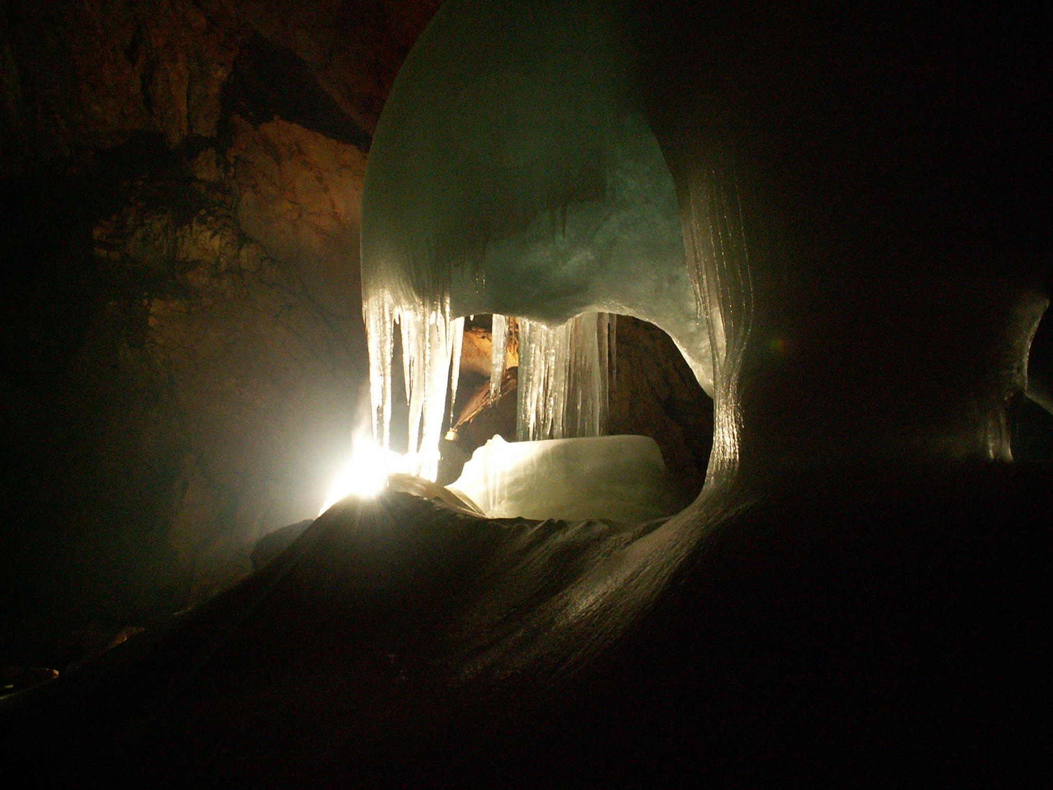 Eisriesenwelt-Cave,-Autriche