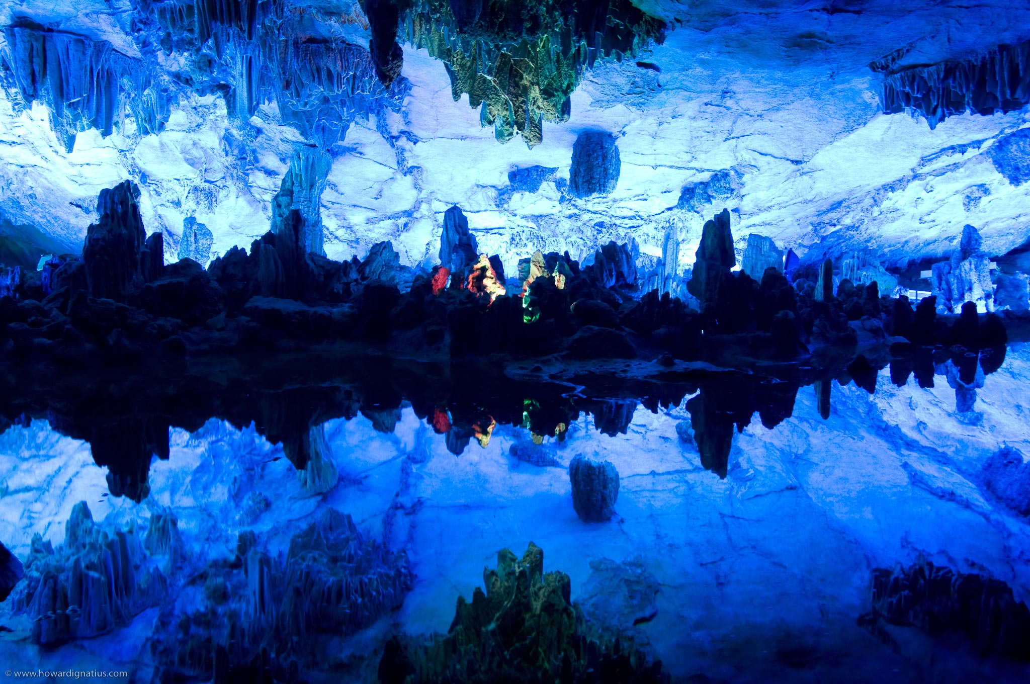 The-Reed-Flute-Cave,-Chine