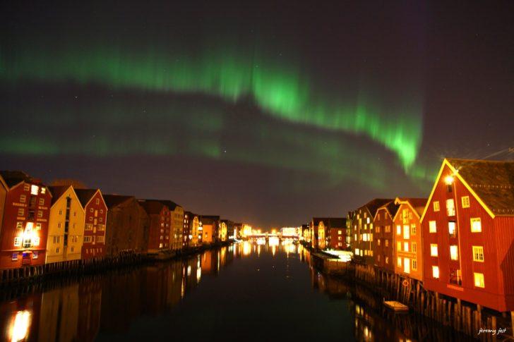 Aurores Boréales dans le ciel de Trondheim