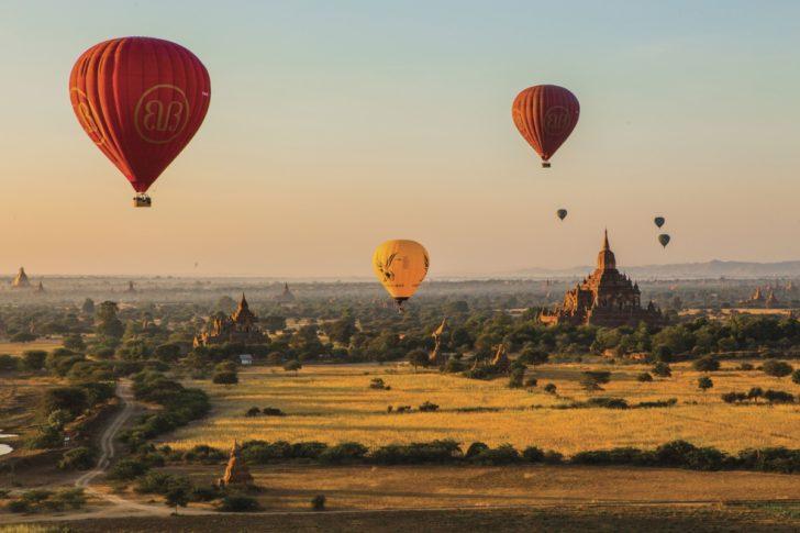 Vol de montgolfières à Myanmar