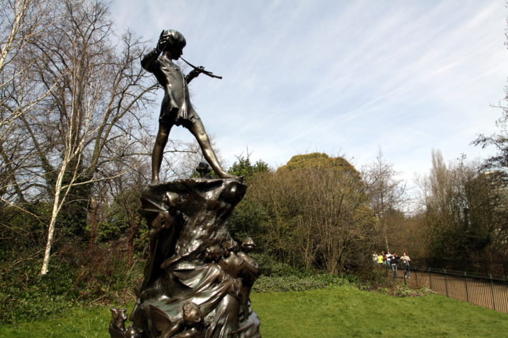 peter_pan_statue_in_kensington_gardens_in_the_city_of_westminster_in_london_spring_2013_11