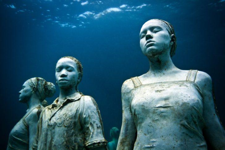 Galerie sous-marine de Molinière Bay
