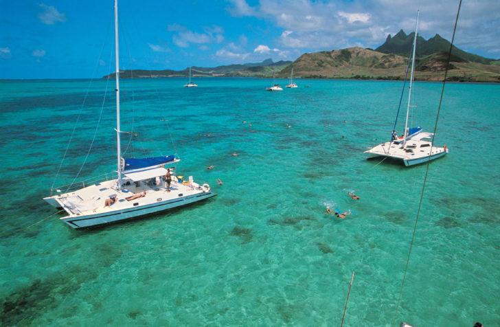 Catamarans dans le lagon de l'Ile Maurice