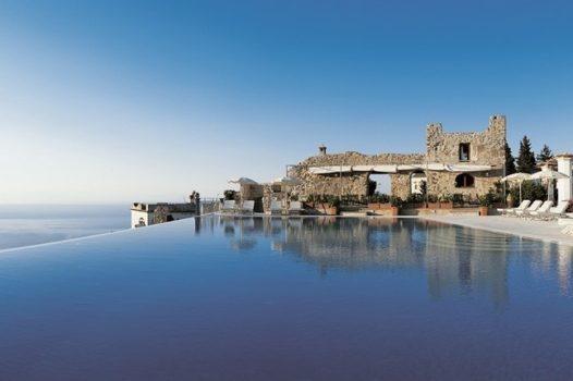 Piscine hôtel Caruso Italie