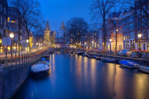 Les canaux Amsterdam de nuit