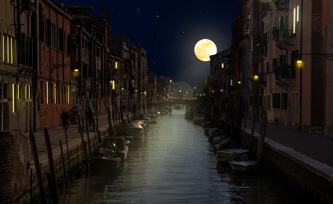 Venise canaux la nuit
