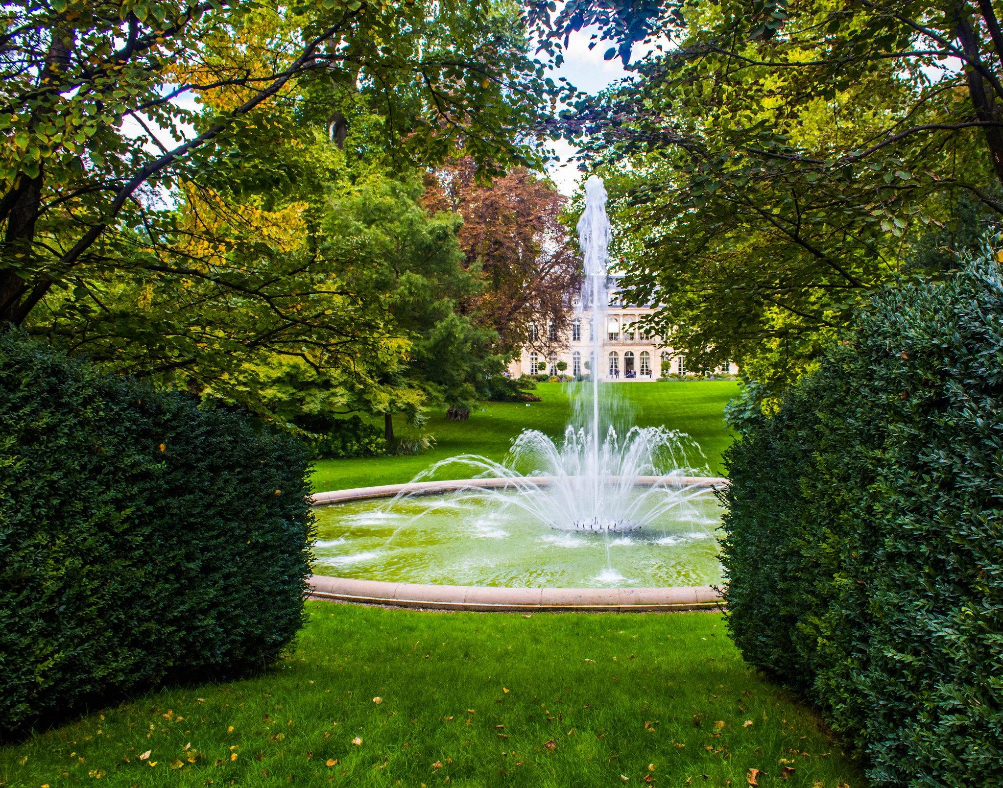 Jardin palais Elysée 2