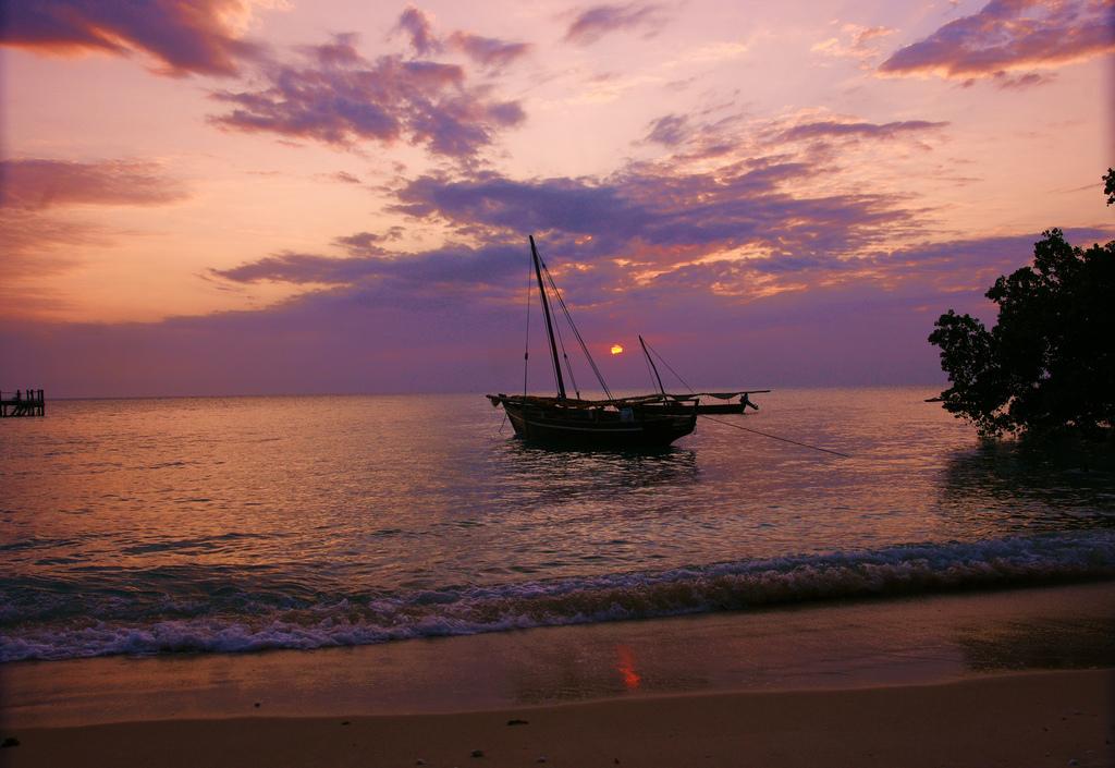 zanzibar coucher de soleil plage