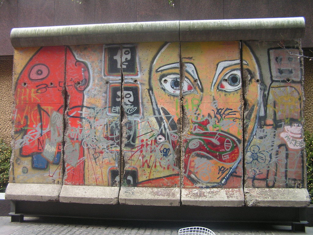 Berlin_Wall_piece_in_New_York
