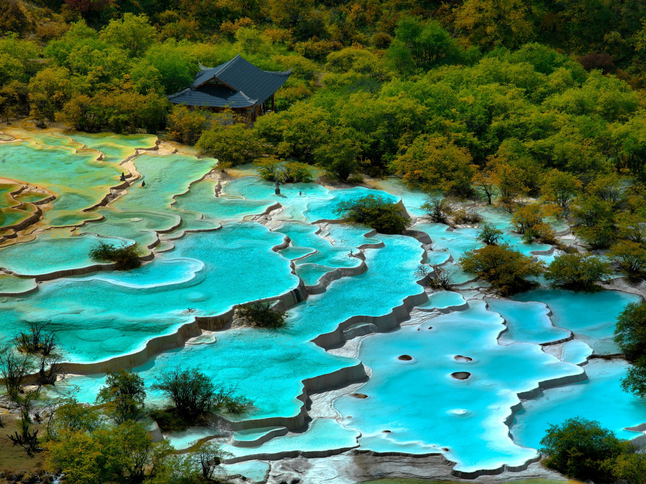 Huanglong, Chine piscines colorées