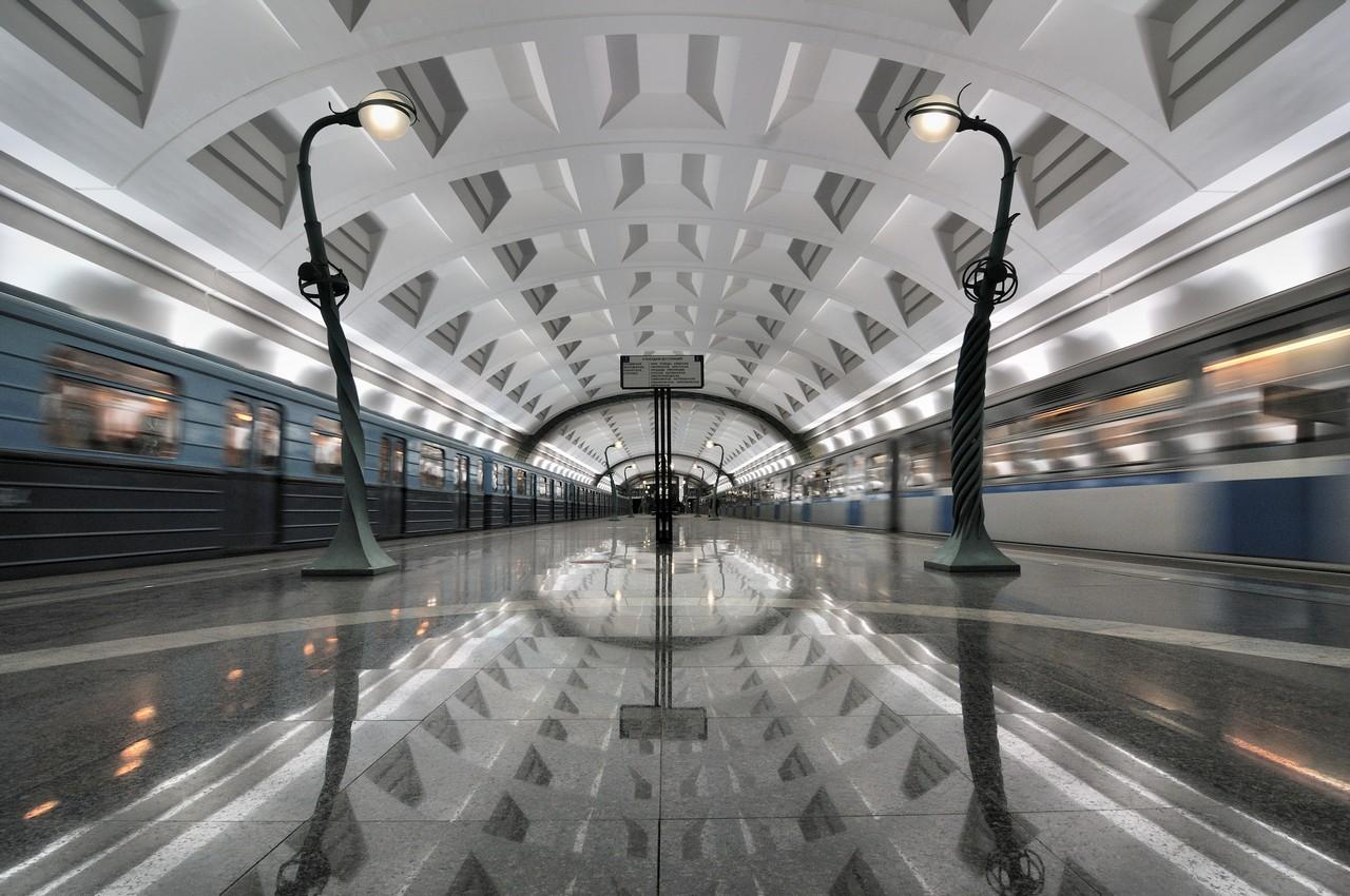 station métro russe, lampadaires
