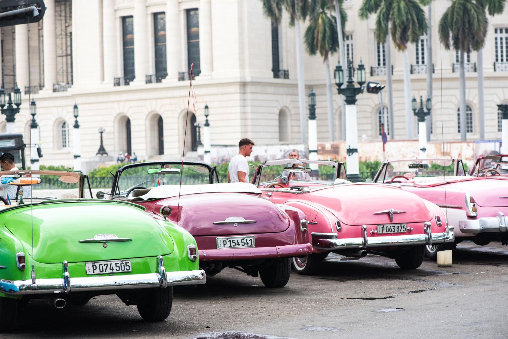 Cuba, La Havane, vieilles voitures 2