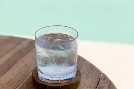 boire de l'eau glacée l'été