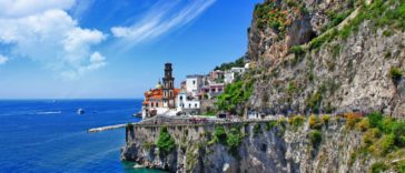 Atrani sur la Côte amalfitaine en Italie