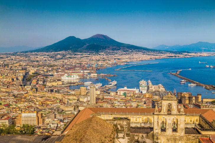 Naples en Italie près de la Côte amalfitaine