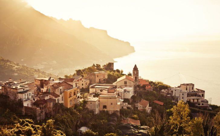 Ravello sur la Côte amalfitaine en Italie
