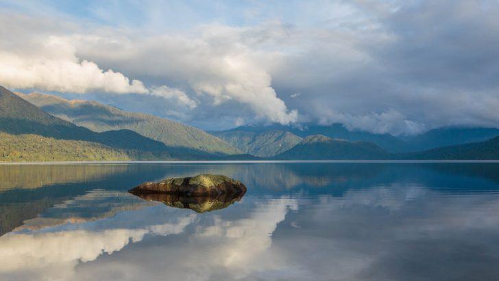 Le Lac Kaniere en Nouvelle-Zélande