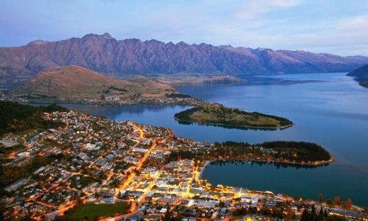 Queenstown et le lac Wakatipu en Nouvelle-Zélande