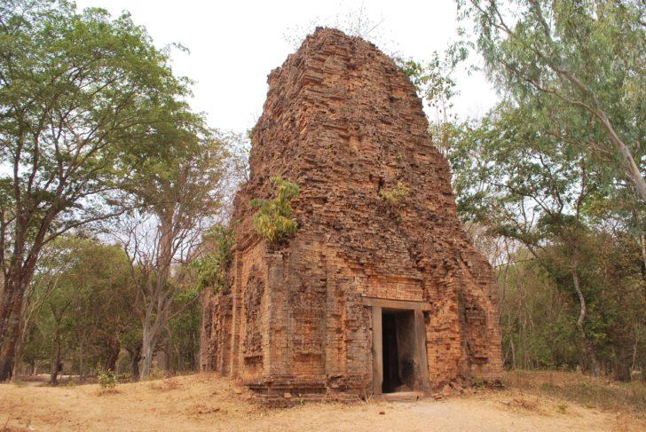 Sambor Prei Kuk, site archéologique représentant le paysage culturel de l'ancienne Ishanapura - Prasat