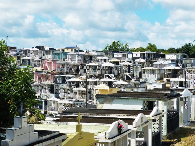 Le cimetière de Morne-à-l'eau en Guadeloupe