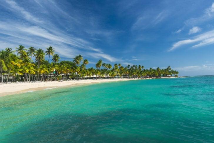 La plage de la Caravelle en Guadeloupe