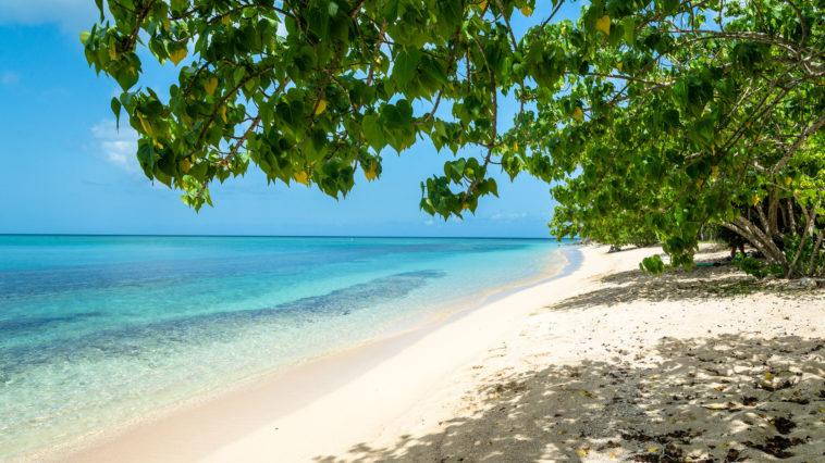 La plage du Souffleur en Guadeloupe