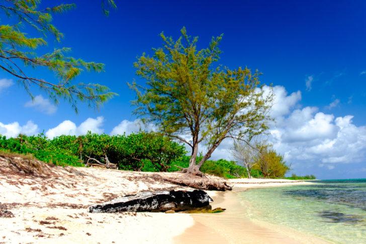 La plage de West Bay aux Îles Caïmans