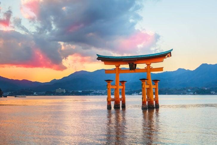 Le torii d'Itsukushima au Japon