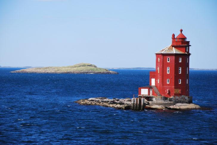 Le phare de Kjeungskjaer en Norvège