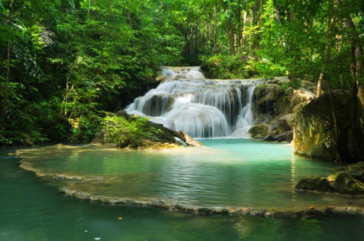 Le parc d'Erawan en Thaïlande