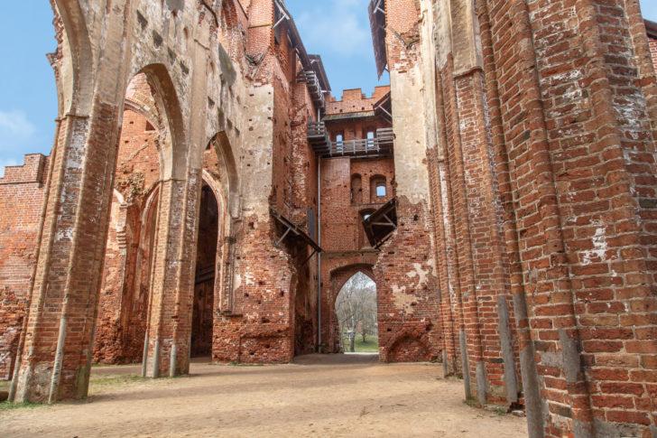 La cathédrale de Tartu en Estonie, Pays baltes