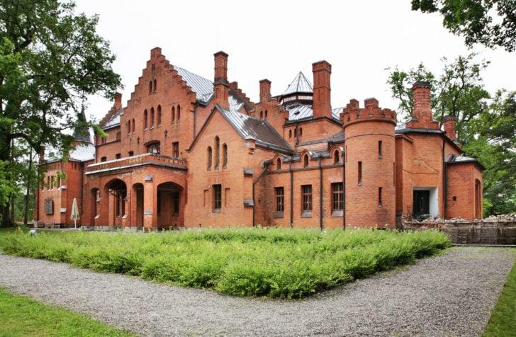 Le château de Sangaste en Estonie, Pays baltes