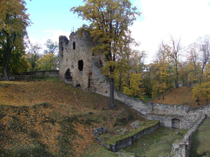Le château de Césis en Lettonie, Pays baltes