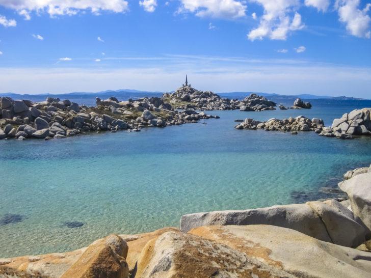Mer d'émeraude sur les îles Lavezzi