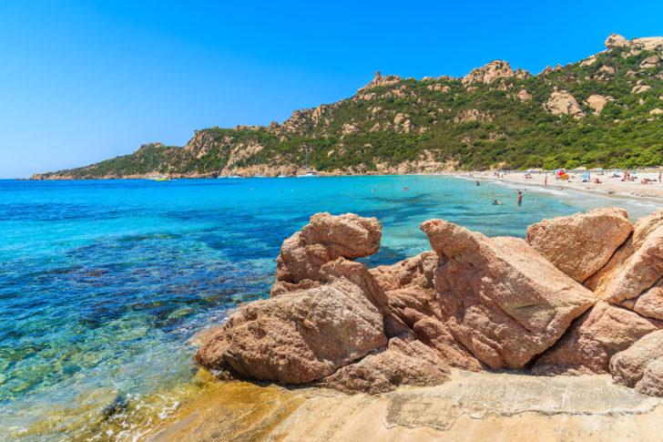 La plage de Roccapina et son sentier côtier
